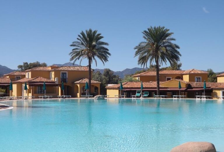 bazén v hoteli Baia dei Pini, Budoni, Sardínia