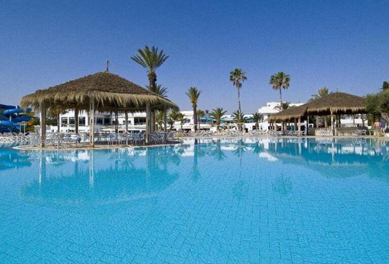 Pohľad na bazén hotela LTI Thalassa Sousse